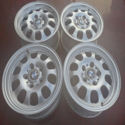 LLANTAS BMW ORIGINALES ALIJERADAS R15X6,5 IS42